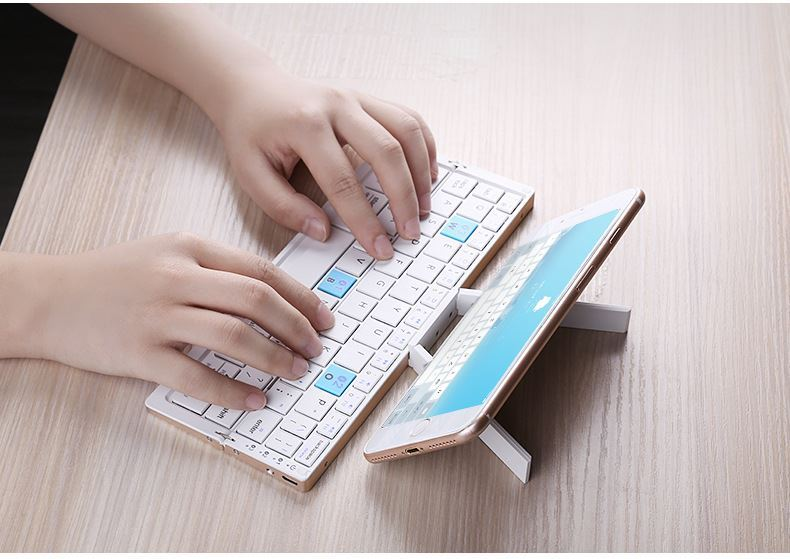 Picture of Mini Folding Bluetooth Wireless Keyboard for Tablet &Smartphone